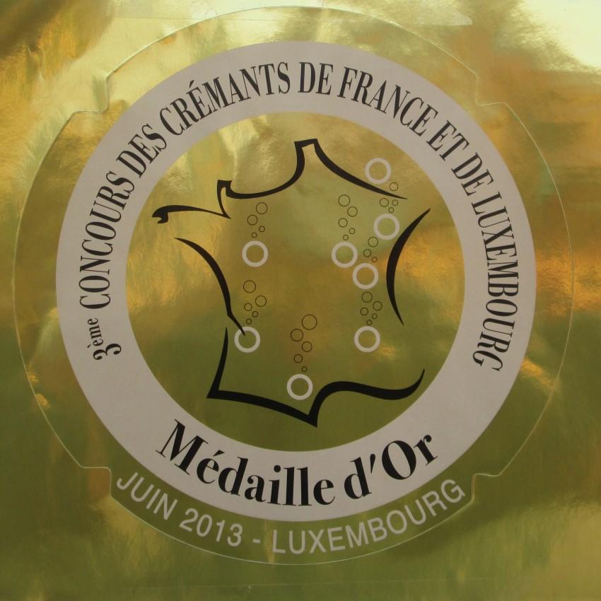 Concours_des_Cremants_2013__2_ médaille d'or pour roland van hecke producteur de crémant de bourgogne
