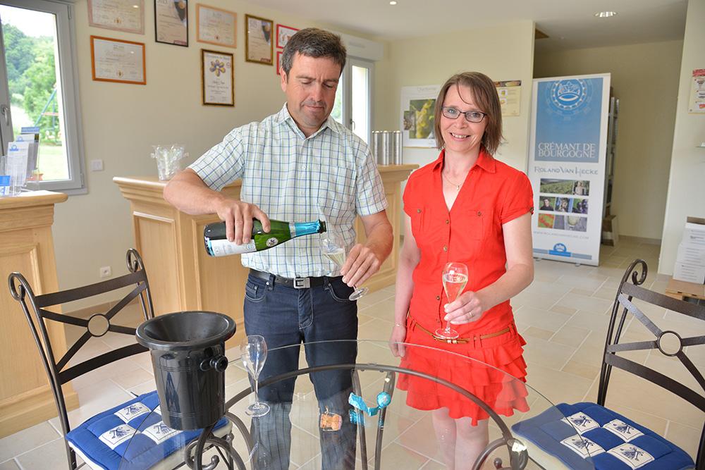 Roland Van Hecke et son épouse producteur de crémant de bourgogne